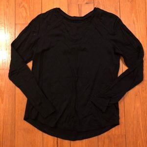Black long sleeve lululemon shirt
